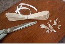 kwiaty z papieru, tkanin, etc.