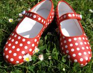 Gestipt or Polka Dot / gestipt is Dutch for: polka dotted / with polka dots / by Hiskia van Leeuwen
