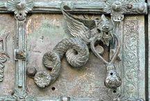 Porte antiche di bronzo