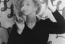 LEONOR FINI / Leonor Fini (1907 – 1996) was an Argentine surrealist painter, designer, illustrator, and author, known for her unapologetic depictions of powerful women.  LEONOR FINNI - ♫ KATELL KEINEG https://www.youtube.com/watch?t=230&v=R5vTIDgdlvc