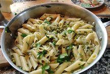 Macaroni and peas