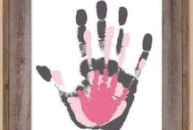handprints family portrait