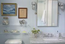 Bathrooms / by Marietta Avrus