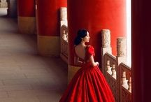BeautiFul Tuyệt vời / Dress for success. Image is very important. People judge you by the way you look on the outside.