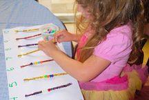 Игры с доченьками / Развитие мелкой моторики и умению считать