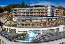 NIDUM CASUAL LUXURY HOTEL / Raus aus dem Hamsterrad, rein ins Vergnügen! Das NIDUM – Casual Luxury Hotel ist ein Ort, an dem kaum Wünsche offen bleiben. Einfach ausspannen, und das in lässiger und zugleich exquisiter Atmosphäre – alles ist möglich in diesem neuen Luxus-Hotel auf dem Seefelder Plateau.