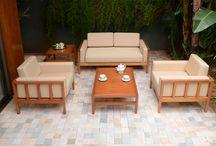 Linha Millantu / A linha Millantu é composta por jogo de sofá (2 e 3 lugares), poltrona, mesa de canto e mesa de centro.