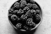 BLACK FOOD PHOTOGRAPHY