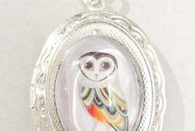Oval-shaped cabochon locket pendants / Pendants made of oval-shaped cabochon lockets. Minka / www.minka.fi