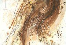 Galerie d'Ewa Dabrowska / Ewa Dabrowska est une artiste peintre sculpteur d'origine polonaise dont la galerie se situe 42 rue de l'Homme du Bois à Honfleur. Ses peintures monochromes sensuelles expriment la spontanéité du mouvement, tandis que ses sculptures mélangeant bronze, bois, inox et pierre montrent la vie quotidienne selon ses émotions et son imagination.