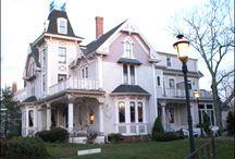 Houses I Like / by Angie Shultz