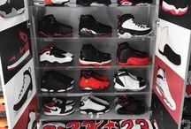 Sneakerhead / Kicking the fresh kicks of the NBA today