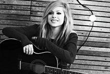 Avril Lavigne / Para amantes da Avril Lavigne ❤️❤️ Igual eu, little black star ❤️❤️