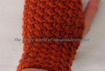 Crochet Woman Fingerless Gloves / https://www.facebook.com/TheEntireWorldofHandmadeCrochet/