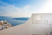 Villas and Suites in Santorini