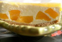 gateaux, desserts et buches du nouvel an et reveillon / by Amourdecuisine Chez Soulef
