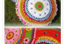 Almohadones crochet