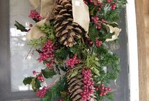 Christmas Door Decorations / by Lois Williams Bunch