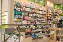 φαρμακείο θήβα / φαρμακείο στη Θήβα  Το φαρμακείο στη Θήβα διευθύνεται από το φαρμακοποιό Σεραφείμ Ζήκα και εργάζονται σε αυτό 5 άτομα, το καθένα εξειδικευμένο στον τομέα του. Διαθέτει δερμοαναλυτή για την πλήρη ανάλυση κάθε δέρματος. Το εργαστήριό του είναι ευρωπαϊκών προδιαγραφών και μπορούν να παραχθούν γαληνικά σκευάσματα σε άσηπτες συνθήκες.