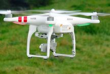 Drohnen online kaufen / Über Drohnen informiert man sich online und kauft sie dort auch.