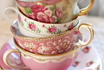 Granny Loves Tea Cups