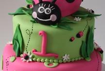Cake Inspiration! / by Samantha Sweeney
