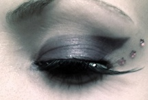 Eyes / by Ica Jess