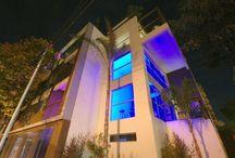 Edificios / Buildings / Edificios diseñados y creados por arquitectos Argentinos. Entrá y conocé más de estas obras.