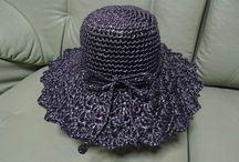 編みました♪ / スキマ時間に編んでます。 たいていはプレゼントしちゃって余り手元に残ってません。 喜んでもらえると幸せ~