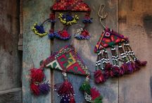 Tribal Adornment / A heritage of tribal jewelry, amulets and clothing