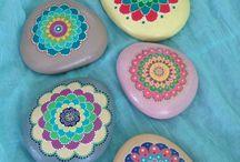 Ma-arum / painted stones