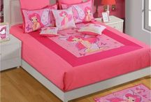 AMAZING DOUBLE BEDSHEETS FOR KIDS / All products under our kids bedsheets section are designed to suit your kid's interests as well as to add some flavor in his room. Their delightful colors, amusing prints and mushy texture of fabrics will certainly provide your child with all the comfort and style he desires.