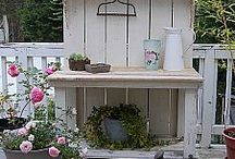 Potting Benches / by Cindi King