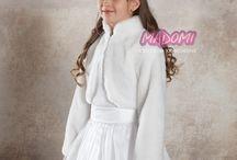 Okrycia komunijne dla dziewczynek - Centrum Komunijne MADOMI / Okrycia dla dziewczynek na różne okoliczności, przede wszystkim na uroczystość Pierwszej Komunii Świętej i Białego Tygodnia
