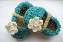 Crochet for Wee Ones / Cute and small crochet patterns for babies and toddlers.
