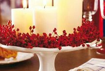 Red and white christmas table decor