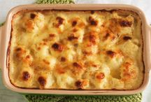 Baked cauliflower with cheese sauce