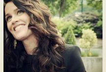 actress: Robin Tunney