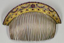 Hair Pins|Combs / by Sylvie Banville