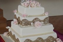 WEDDING CAKES AUCKLAND / Our Design Range Wedding cakes are created in consultation with you. We offer a free consultation where you are invited to bring all your ideas. We will mix and match various elements to create a wedding cake that reflects your personal style. You can also send us a picture and we can give you a no obligation quote. It also helps to indicate the number of guests you want to cater for with the cake, so we know the size of the cake you require. www.frescofoods.co.nz email: fresco@woosh.co.nz