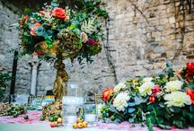 Coral and mint wedding colors, courtly tale in Tuscany