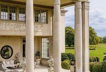 Facades pillars mansion