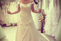 Blog / Minden amit esküvői ruháról tudni érdemes!