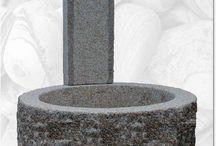 Gartenbrunnen / In Handarbeit gefertigte Gartenbrunnen aus Naturstein