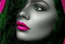 W różowo -czarnym kolorze. ..