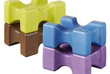 EASY PRO JUMP / Nos embases, multibases, SPA et chandelles Easypro-Jump offrent un nouveau concept moderne et novateur aux cavaliers. Appuyés sur des brevets européens,ils positionnent nos produits sur un marché technique, évolutif et très fonctionnel.  Le nouveau concept Easypro-Jump La Gée permet d'effectuer toutes sortes de combinaisons d'obstacles au meilleur rapport qualité/prix.