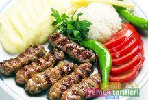 Köfte Tarifleri / Hayatınızda daha önce tatmadığınızı düşündüğümüz köfte tarifleriyle birlikte sizlerde şaşkınlık yaratacak bir serüvene çıkıyoruz. http://www.renkliyemektarifleri.com/yemek-tarifleri/kofte-tarifleri