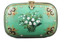 Glorious Vintage Purses and Handbags / Vintage Purses and Handbags to accentuate that perfect vintage outfit