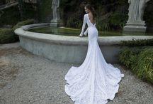 Wedding dress ideas: Low Backs