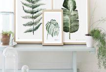THEMA | Indoor Adventure / Creëer een fris nieuw gevoel in huis met de blauwe en gele accenten van dit thema. Combineer dit met grote groene kamerplanten voor een gezellige luchtige uitstraling.